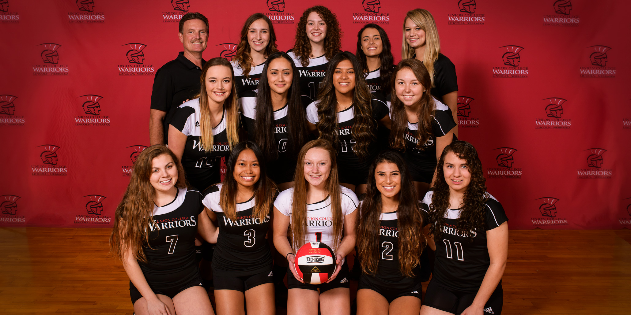 Photo of the women's volleyball team.