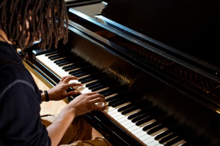 jovan cross playing piano